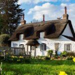 Домик в деревне: особенности владения загородным жильем за границей